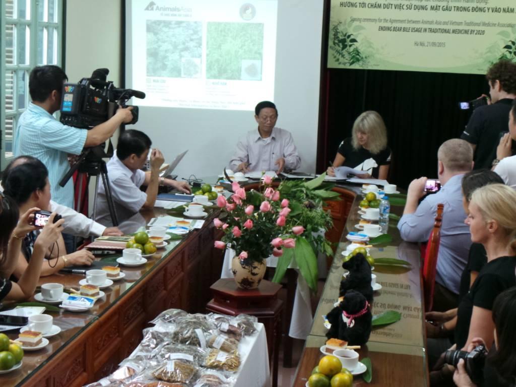 PledgeSigning Hanoi